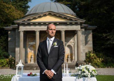 attesa dello sposo emozionato al Matrimonio country chic in Villa Pesenti Agliardi, Bergamo