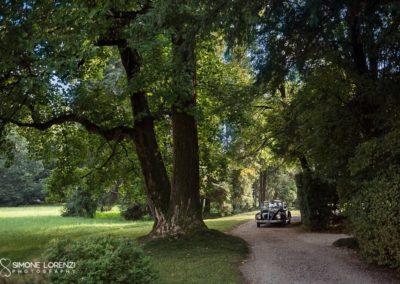 auto della sposa nella natura al Matrimonio country chic in Villa Pesenti Agliardi, Bergamo