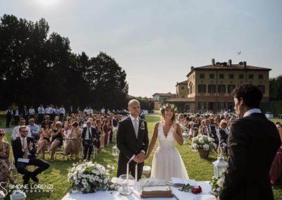 applauso finale della cerimonia civile a Matrimonio country chic in Villa Pesenti Agliardi, Bergamo