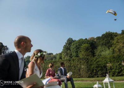 parapendio al Matrimonio country chic in Villa Pesenti Agliardi, Bergamo