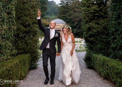 camminata sposi spontanei al Matrimonio civile in Villa Pesenti Agliardi, Bergamo